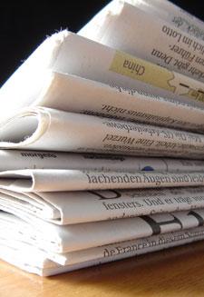 Ein Stapel Zeitungen (Foto: photocase.com � Christoph Meissen)